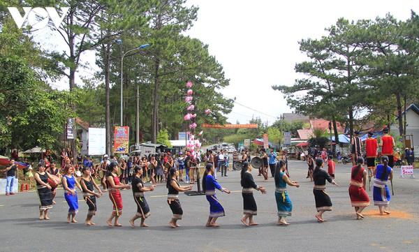 Văn hóa lễ hội ở Kon Tum