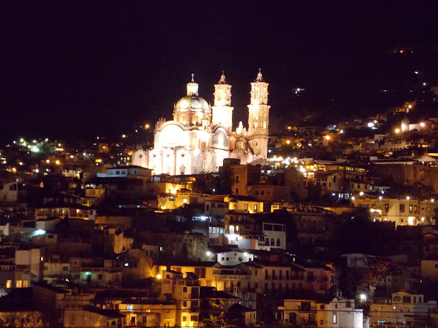 Taxco de Noche