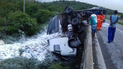 Homem morre em acidente na BR-116 Sul; vítima viajava de carona