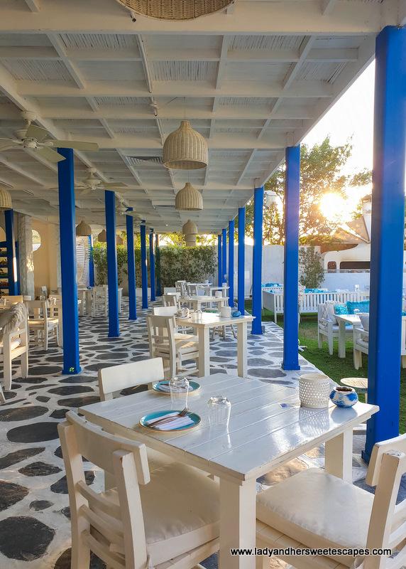 taverna atmosphere in Fish restaurant Dubai
