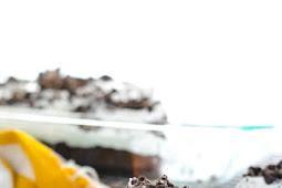 ★★★★★ | Oreo Poke Cake