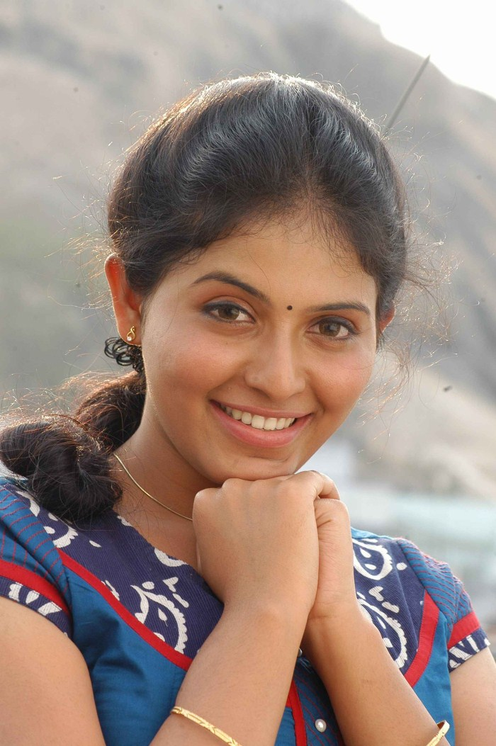 Anjali Latest Images Gallery In Engeyum Eppothum Tamil -4138