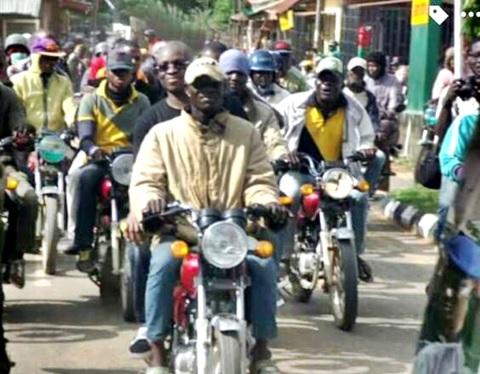 Gov. Fayose Abandons Convoy, Rides on Okada Through the Streets to the Govt. House (Photos)