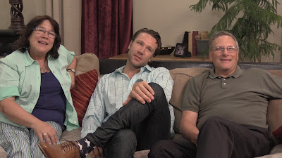 John Coultrip e seus pais - Divulgação