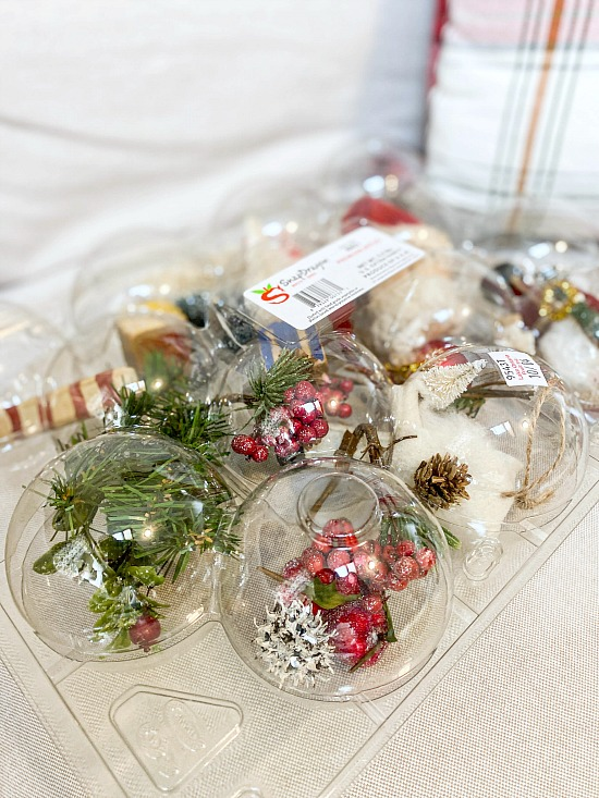 Closed box for apples with Christmas ornaments