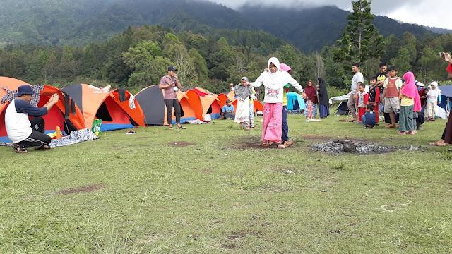Camping Keluarga di Bumi Perkemahan Bukit Golf Gunung Gede Pangrango Cibodas
