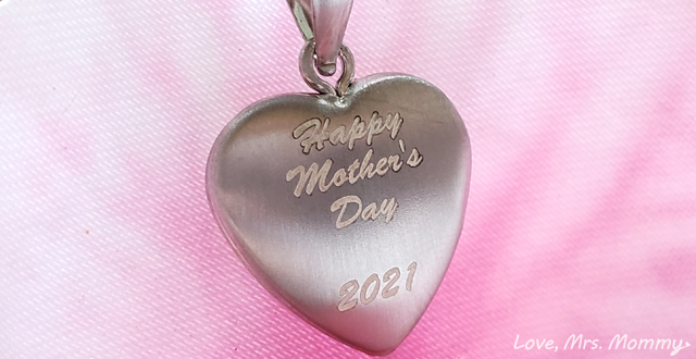 pictures on gold, heart locket, mother's day locket, personalized jewelry