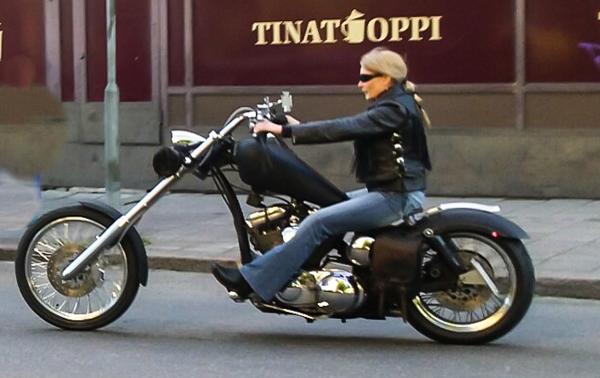 PauMau blogi nelkytplusbloggari nelkytplus kerava tribute to sherwood festival harley davidson chopper sporster 1200 cc bikerchic bikerbaby bad ass