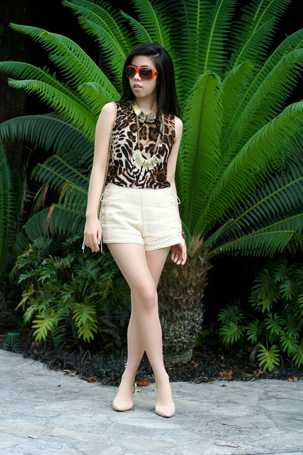How to Wear Shrots with Heels_How to look Classy in shorts with heels_Adrienne Nguyen_Invictus