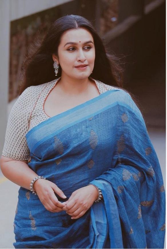 South Indian Actress Kavitha Nair Looking Beautiful in Saree