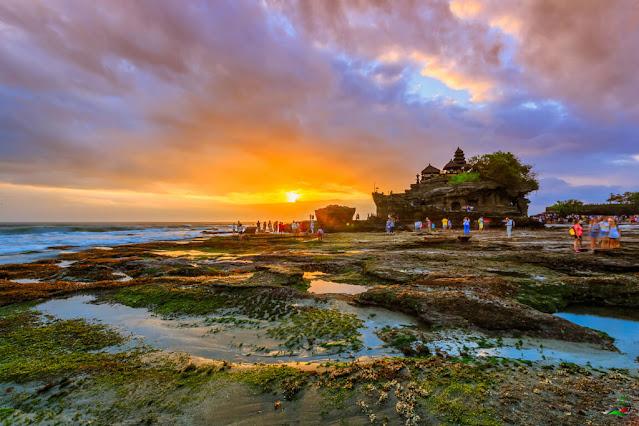 Tanah Lot Religious Tourism Destinations in Bali