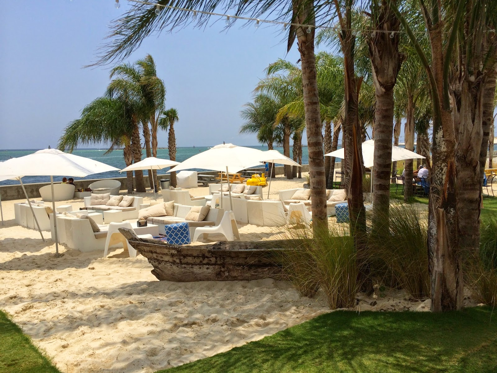 Beach-side Dining at The Gulf