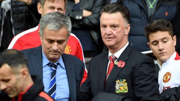 Van Gaal chê bai chiến lược của Mourinho quá nhàm chán