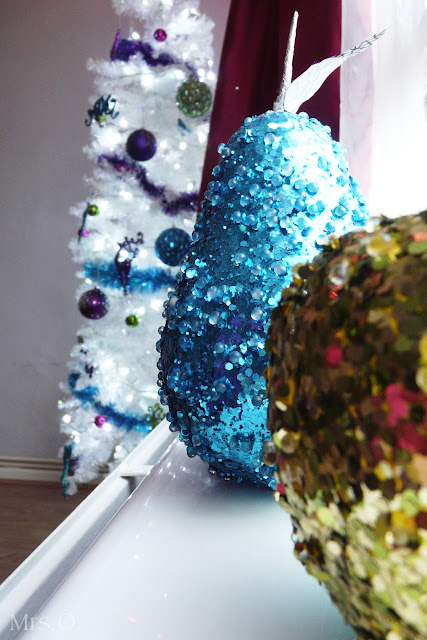 Bright Colours & White Christmas Tree | The Purple Pumpkin Blog