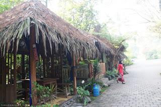 Imah Seniman, Resort di Lembang - Tripoutbound