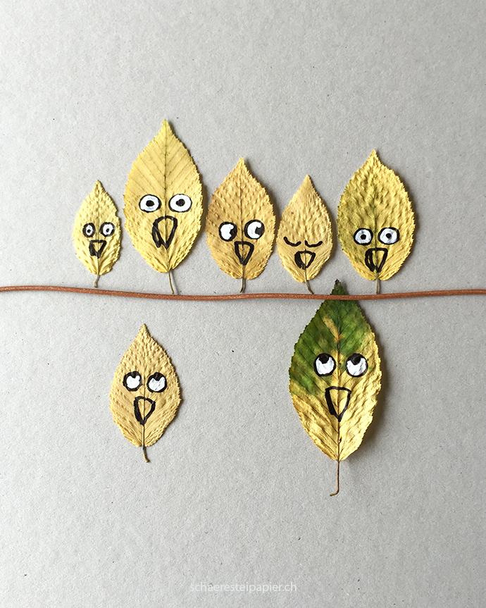 Schaeresteipapier Gekritzel Auf Herbstblatter