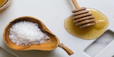 Honey And Salt For skin