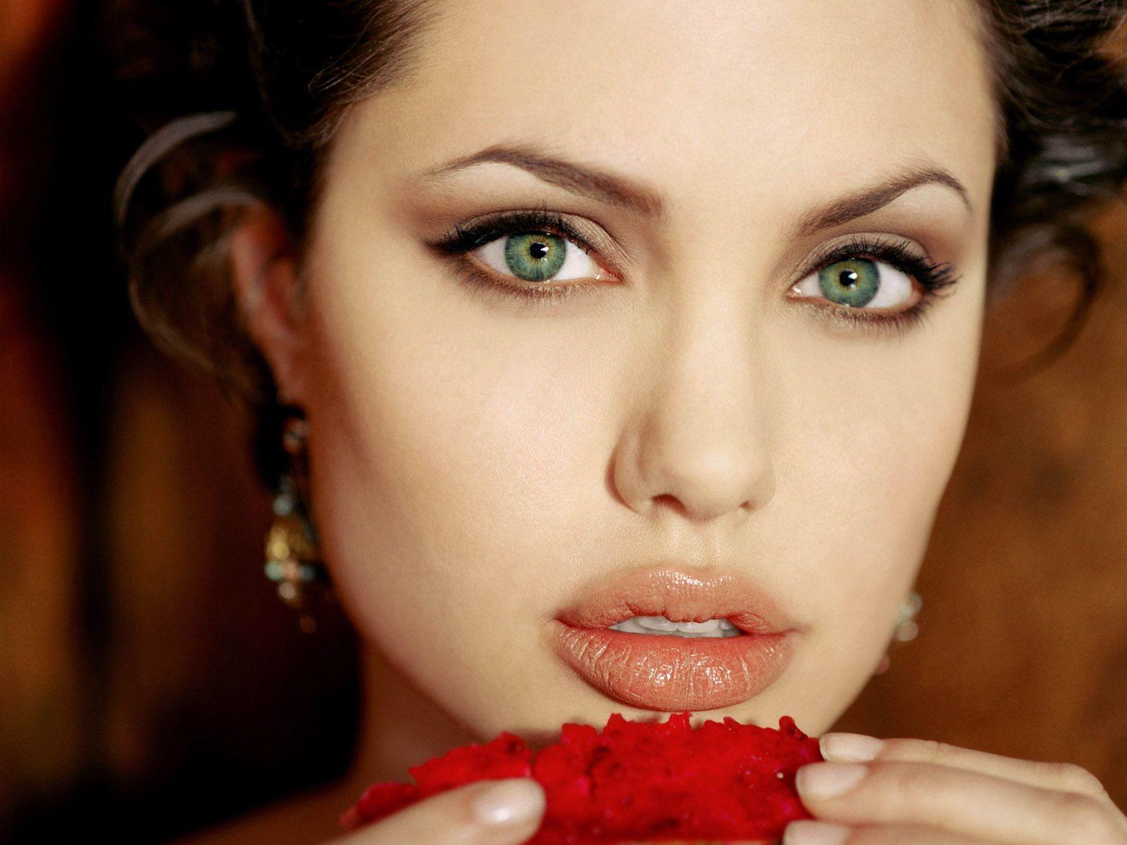 Angelina Jolie Dick 108