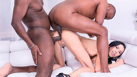 [Private] Paris Devine (Skinny Teen Enjoys DP Interracial Threesome / 02.01.2021)