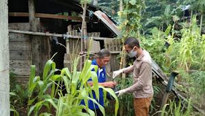 Naik Turun Rumah, Rahman Sasar Warga Miskin untuk Berbagi Bapok