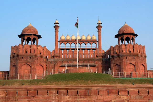 best place to visit in delhi, best place to visit in near delhi, best place to visit in delhi for couples, best place to visit in delhi with friends, best place to visit in delhi in summer, best place to visit near delhi in june.