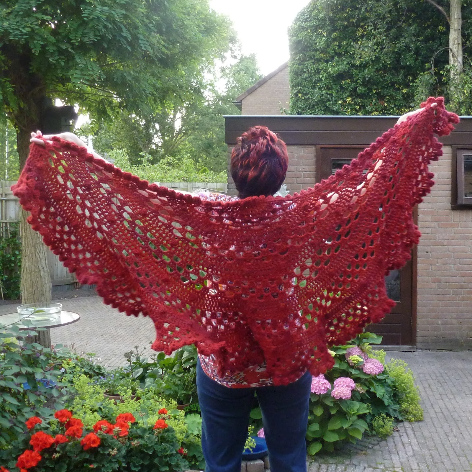 Karin Aan De Haak Rode Omslagdoek