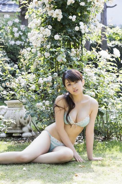山地まり Yamachi Mari Pictures 01