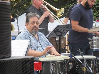 Eguie Castrillo & Mar del Norte Salsa Orchestra
