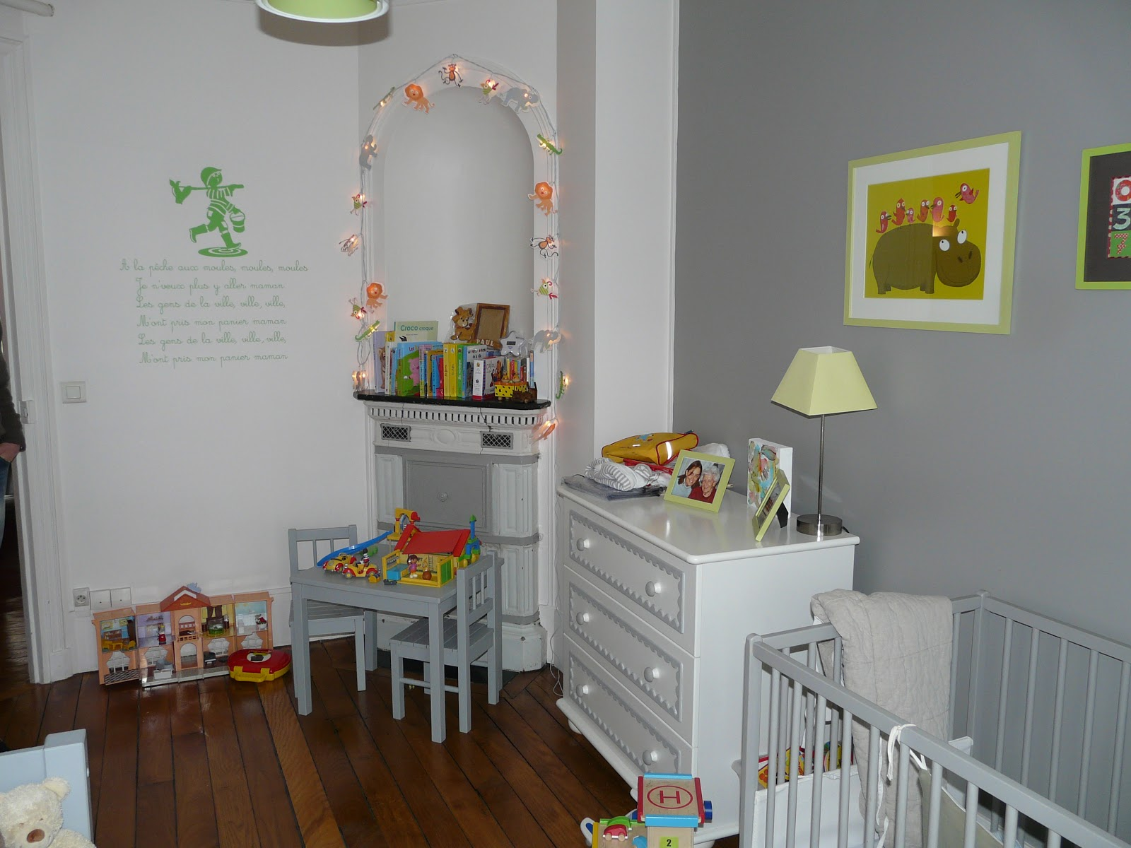 anna grant d placement d 39 une porte de placard dans l. Black Bedroom Furniture Sets. Home Design Ideas