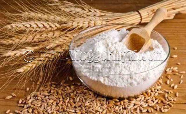 Di Indonesia mungkin tanaman gandum tidak sebanyak di Eropa sana mengingat di negara tropis ini roti gandum bukan merupakan makanan pokok layaknya di negara barat.   Meskipun begitu, namun keberadaan roti gandum dan tepung gandum di Indonesia cukup banyak bahkan Anda pun bisa dengan mudah mendapatkan produk olahan biji gandum ini.   Biasanya, produk-produk olahan gandum selalu identik dengan tekstur yang lembut dan halus. Selain itu, produk olahan biji gandum juga biasanya mudah mengenyangkan, sehingga banyak yang menggunakan produk olahan ini sebagai pengganti nasi.   Nah dibalik kelezatan dan kegunaan gandum tersebut, tahukah Anda jika biji gandum dan seluruh olahannya memiliki manfaat yang luar biasa untuk kesehatan tubuh?   Ya, manfaat gandum ini sangatlah beragam untuk tubuh, mulai dari sebagai sumber energi hingga berguna untuk pencegahan penyakit berbahaya.   Sebelum baca lebih lanjut alangkah baiknya Anda membaca postingan beberapa hari yang lalu memngenai Khasiat dan Manfaat Telur untuk kesehatan tubuh.  Untuk lebih jelasnya, Anda bisa langsung simak ulasan terkait manfaat gandum seperti berikut.   1. Mencegah Diabetes Tipe 2  Seperti yang sudah dijelaskan di atas, jika manfaat gandum antara lain adalah sebagai pencegah berbagai penyakit berbahaya. Dan salah satu penyakit yang dapat dicegah dengan banyak mengonsumsi olahan biji gandum adalah diabetes tipe 2.   Gandum memiliki kandungan magnesium yang cukup tinggi, dimana magnesium ini merupakan mineral yang berperan sebagai co-faktor untuk lebih dari 300 jenis enzim. Enzim inilah yang berpengaruh pada fungsional insulin tubuh serta sekresi glukosa.   Makanan yang terbuat dari gandum minimal 51% juga rendah kolesterol dan lemak yang berarti mampu menurunkan resiko penyakit jantung koroner serta beberapa jenis kanker. Dan lagi, mengonsumsi gandum secara teratur mampu mempromosikan kontrol gula darah sehat.   2. Mengurangi Peradangan Kronis  Selama ini mungkin Anda sudah cukup mengenal bayam sebagai obat untuk