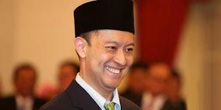 Menteri Perdagangan Republik Indonesia yang menjabat sejak 12 Agustus 2015, menggantikan Rahmat Gobel.