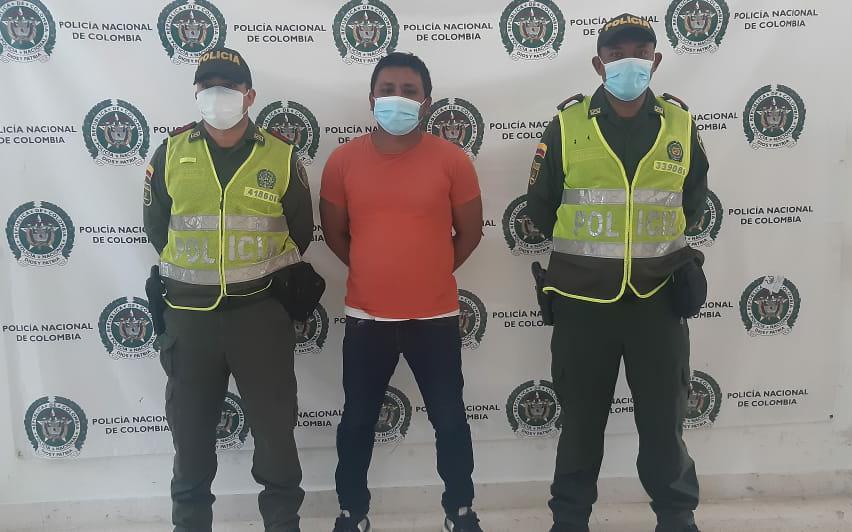 https://www.notasrosas.com/Policía Nacional captura por Violencia Intrafamiliar, a un hombre en Riohacha