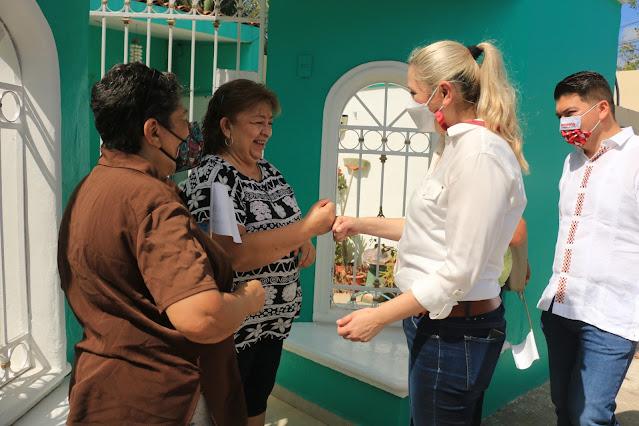 Verónica Camino comenzó su campaña escuchando a la ciudadanía casa por casa