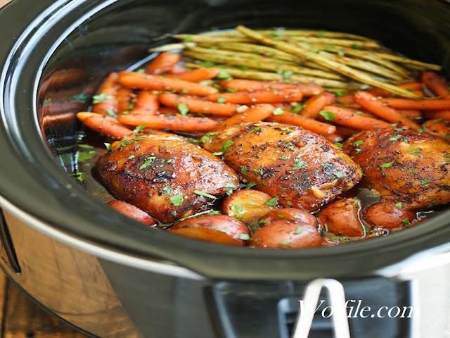 Slow Cooker Honey Garlic Chicken And Veggies Recipe #Vegan #ChickenSlow Cooker Honey Garlic Chicken And Veggies Recipe #Vegan #Chicken