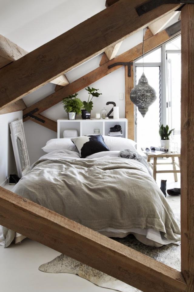 madera y lino en la habitación