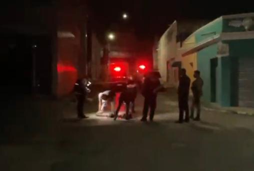 Morador de rua é morto com 10 tiros e facadas no Centro da capital
