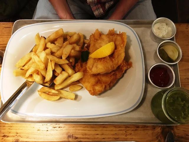Scottish Haddock Goujons with mushy peas - lunch menu