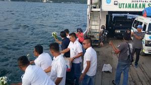 Setahun KM Sinar Bangun Tenggelam, Crew KMP SUMUT Tabur Bunga