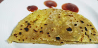 Small paneer paratha with tomato ketchup for paneer paratha recipe for kids