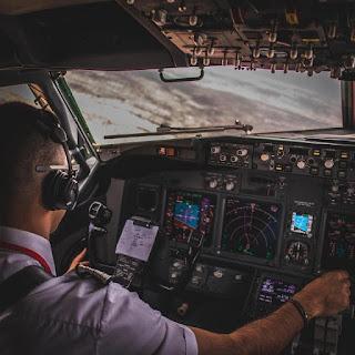 5  أسباب تجعلك أن تفكر تصبح طياراً ✈️👨✈️