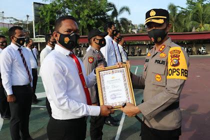 Selesaikan Kasus dengan Cepat, Kapolres Beri Penghargaan kepada 14 Personil Polres Inhil