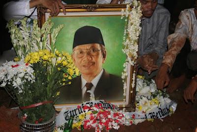 KH Hasyim Muzadi : Dari Memimpin Ranting NU sampai Muslim Dunia