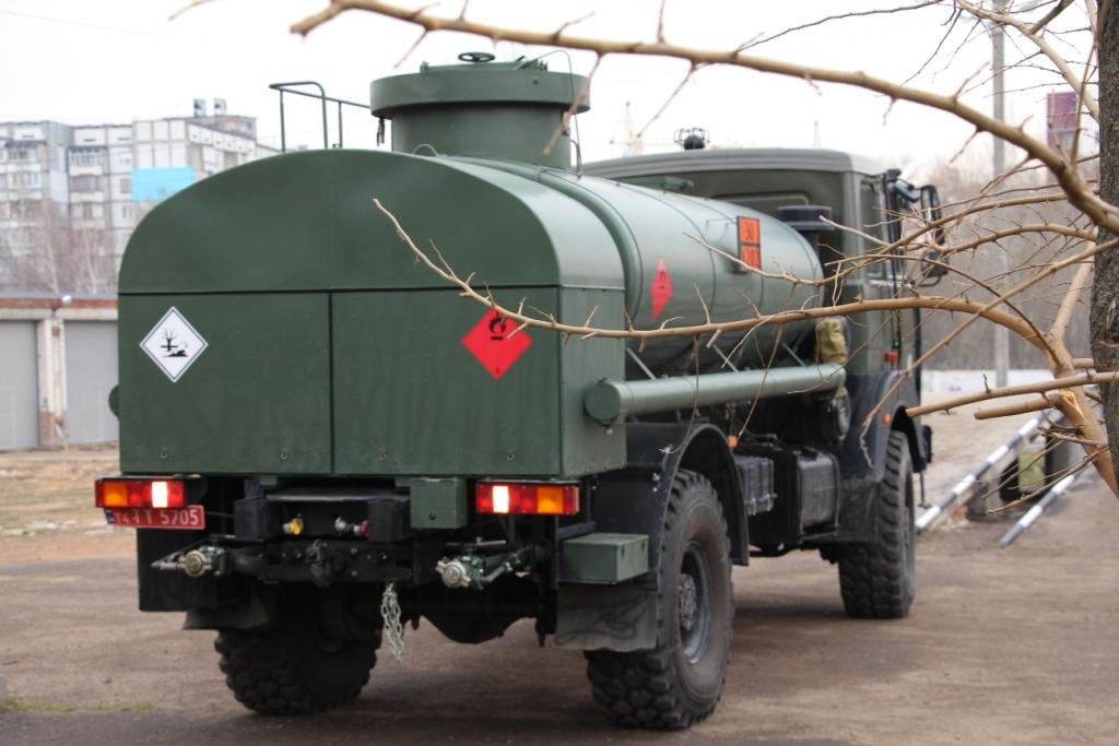Військові випробують новий автопаливозаправник АПЗ-8