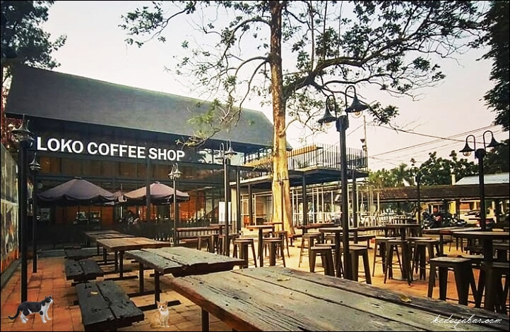 Loko Coffee Shop, Tempat Nongkrong Paling Asik di Stasiun Bandung