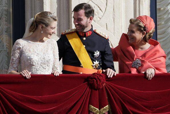 Hereditary Grand Duke Guillaume and Hereditary Grand Duchess Stephanie celebrated their 8th wedding anniversary. Happy 8th wedding anniversary
