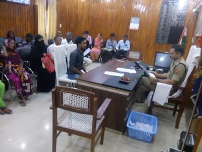 Sultanpur SP Anurag Vats Listen Public Complaints