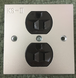 Hubbell US AC wall plate socket Hubbell%2B1