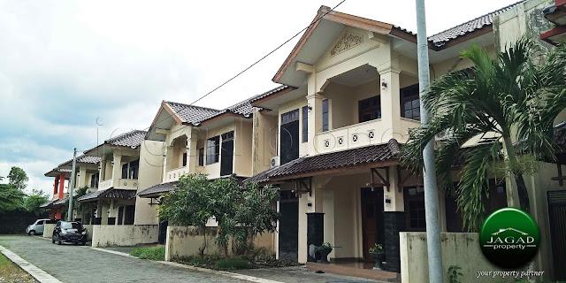 Rumah dalam Perumahan jalan Solo Km 12