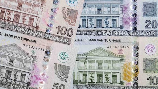 Surinaamse banken kampen met SRD cash voorraad tekorten