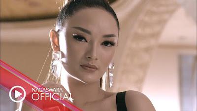 Download Lagu Mp3 Zaskia Gotik - Ayo Turu